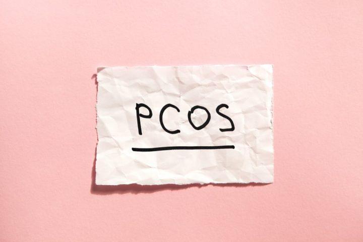 PCOS na różowym tle