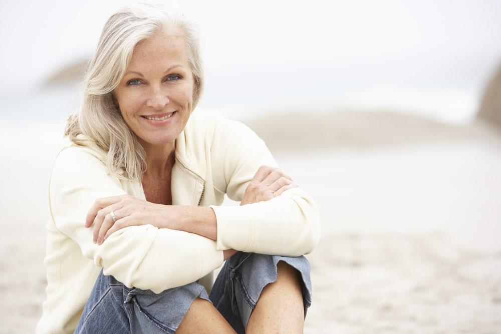 Kobieta badająca hormon FSH