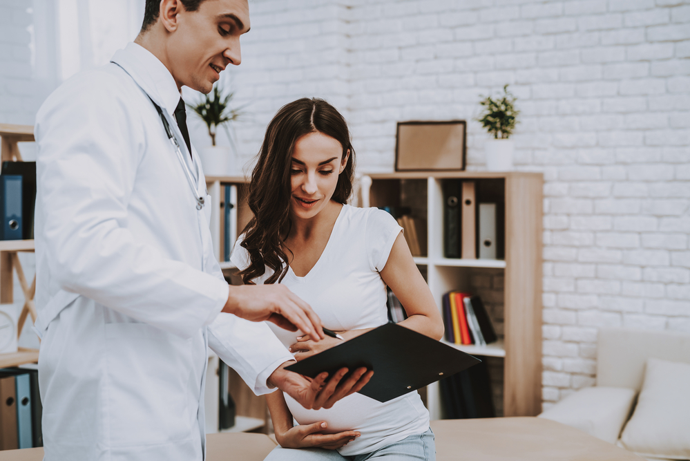 Kobieta w ciąży u lekarza