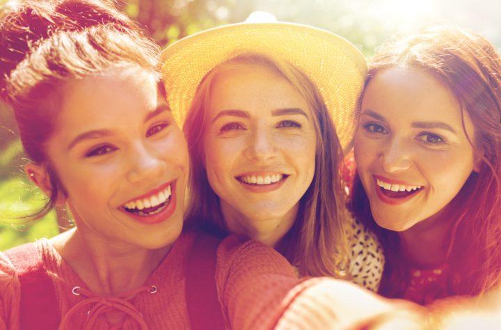 Dziewczyny zastanawiają się nad zabiegiem z komórkami macierzystymi